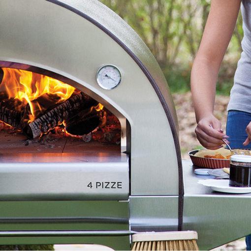 Pizzaahi-4-pizzat-puuküttega